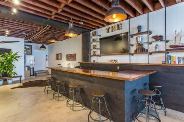 Choosing the Right Bar Rentals